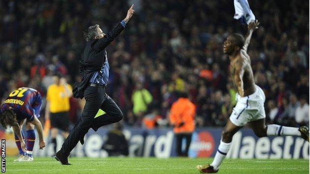 Jose Mourinho and Samuel Eto'o celebrate Inter Milan's Champions League semi-final victory over Barcelona in 2010