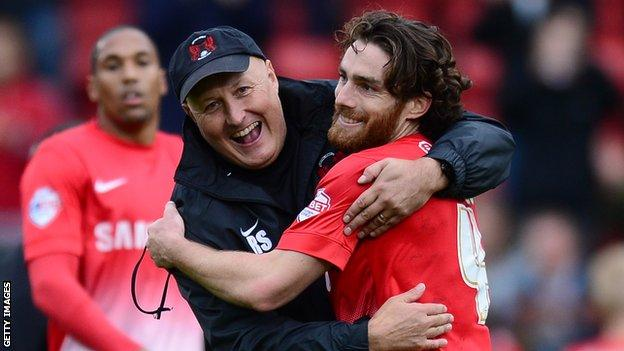 Russell Slade (l) and Romain Vincelot