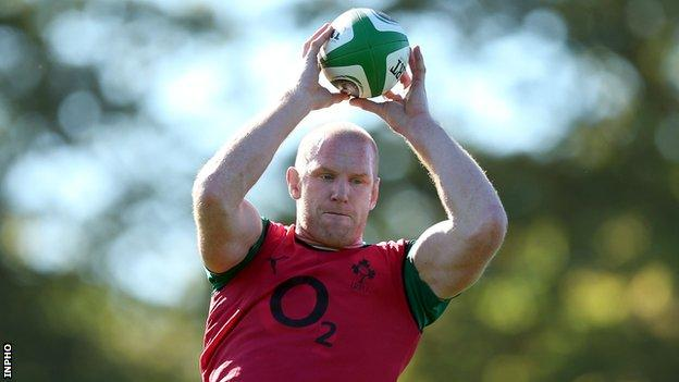 Paul O'Connell trains with the Ireland squad on Monday