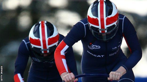 Paula Walker and Gillian Cooke in action for GB bobsleigh