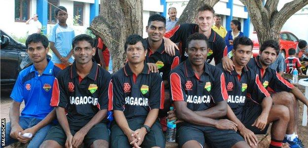 Darryl Duffy (top right) with his Salgaocar team-mates