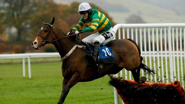 AP McCoy rides Front of House at Ludlow in 2008
