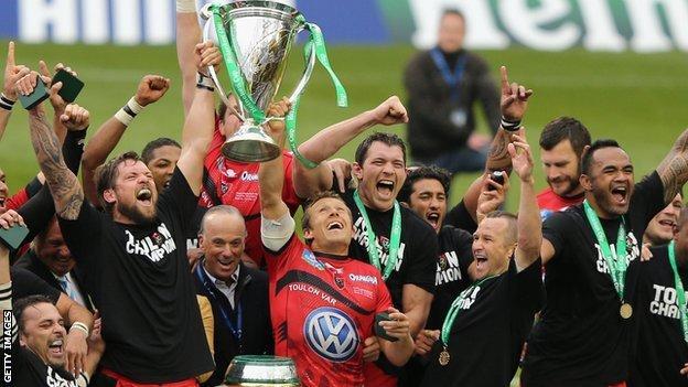Toulon and Jonny Wilkinson celebrate winning the Heineken Cup