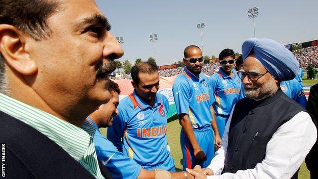 Manmohan Singh (right)