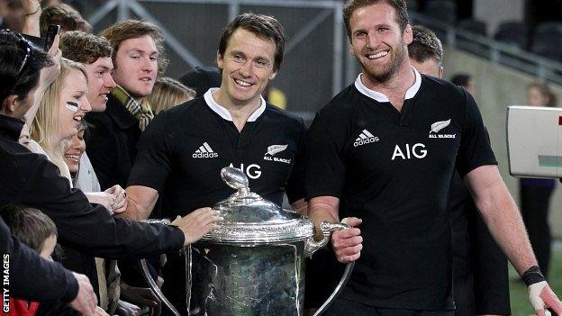 All Blacks Ben Smith and Kieran Read celebrate with the Bledisloe Cup after Saturday's win over Australia