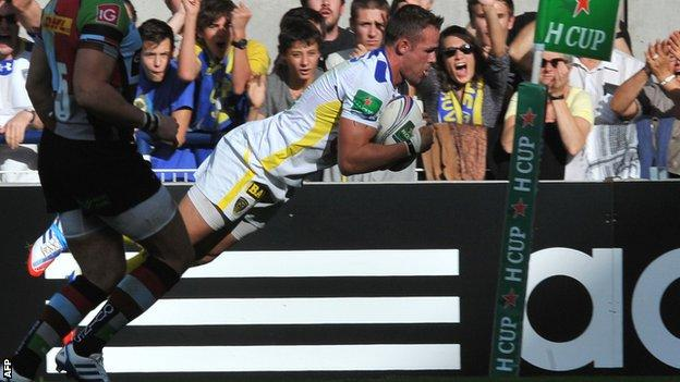 Lee Byrne scores for Clermont