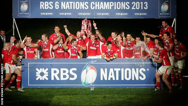 Wales celebrate the 2013 Six Nations title