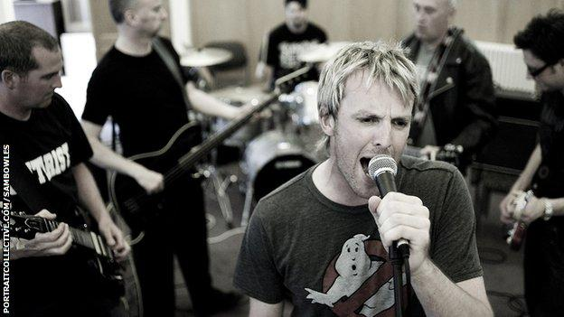 Graeme Swann in rehearsals with his band Dr Comfort and the Lurid Revelations