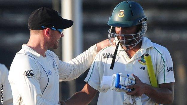 New Zealand captain Brendon McCullum and Bangladesh batsman Shakib Al Hasan