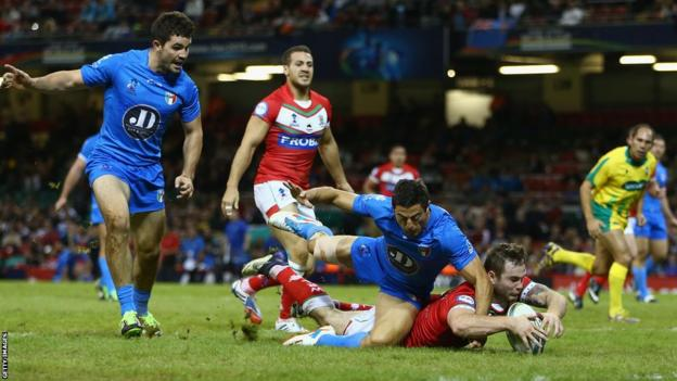 Ben Evans responds with a try for Wales against Italy in Cardiff