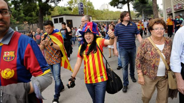 Barcelona fans await El Clasico meeting with Real Madrid