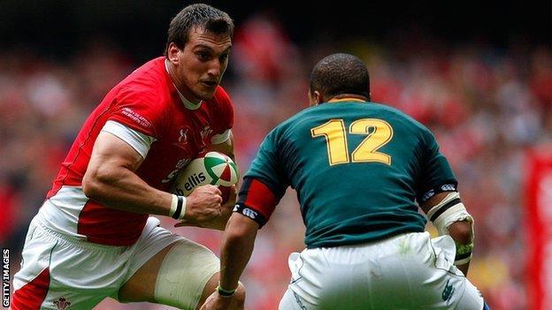 Sam Warburton takes on South Africa in 2010