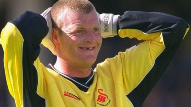 Goalkeeper Roger Freestone used to like a joke with Bluebirds fans during derby matches.