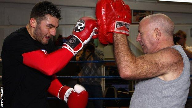 Nathan Cleverly trains with father Vince