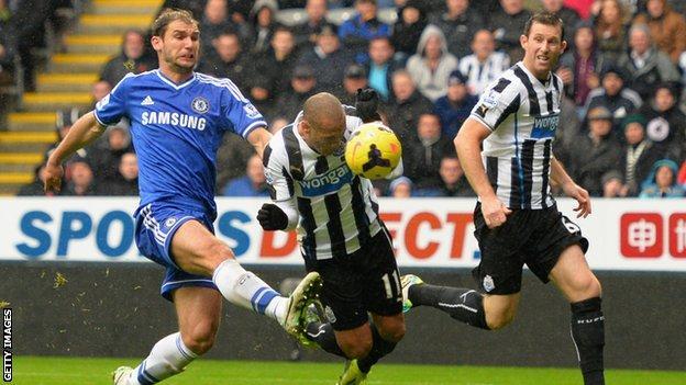 Yoan Gouffran scores against Chelsea