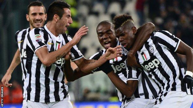 Juventus beat Napoli to move up to second in Serie A