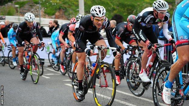 Cycling at the Tour Series