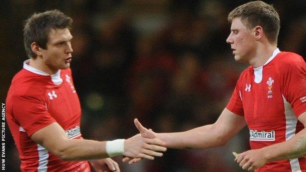 Dan Biggar (left) and Rhys Priestland
