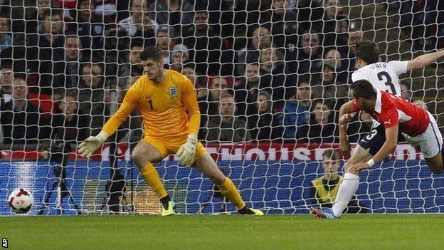 Alexis Sanchez heads home Chile's goal