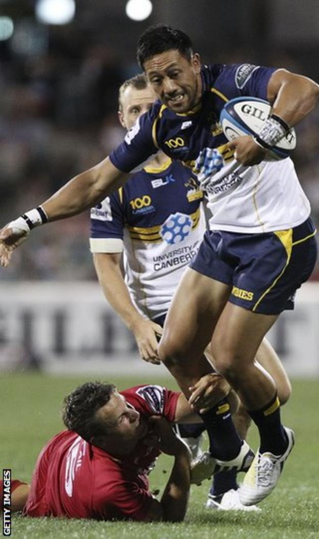 Mike Harris tackles Christian Leali'ifano in action for their clubs
