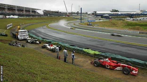 Stricken cars at the 2003 Brazilian Grand Prix