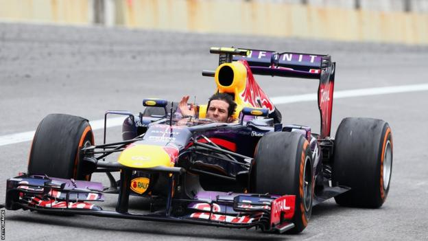 Mark Webber says goodbye to his fans at the end of the Brazilian Grand Prix
