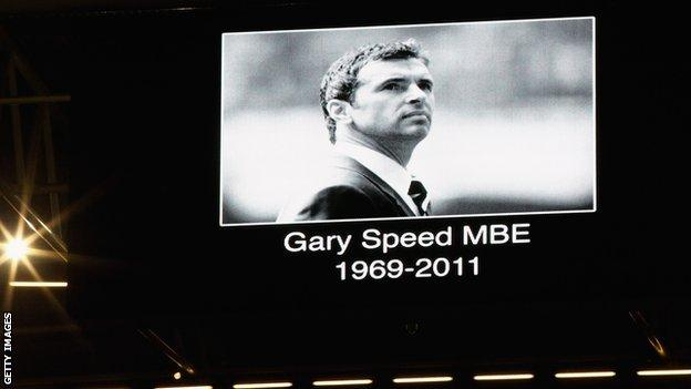 Tribute on big screen to Gary Speed