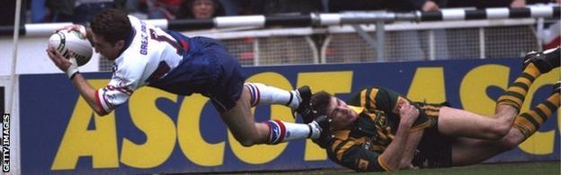 Jonathan Davies scores against Australia in 1994