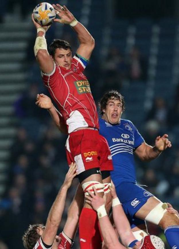 Scarlets flanker Aaron Shingler beats Leinster's Mike McCarthy to the line-out ball