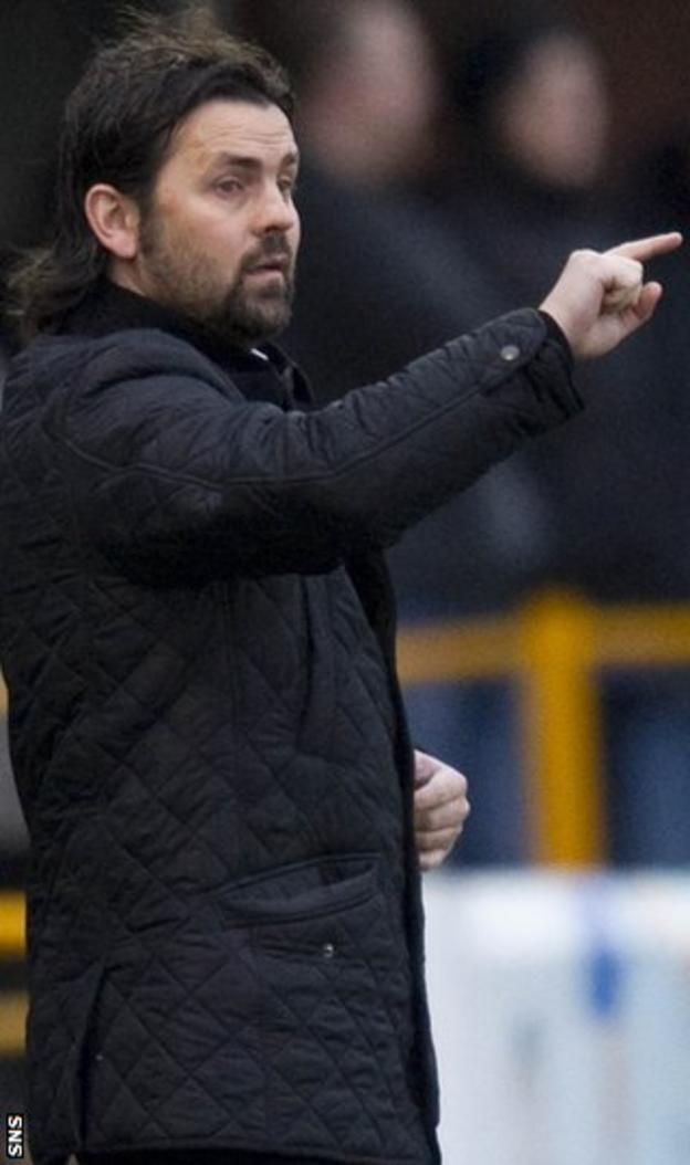Alloa Athletic manager Paul Hartley
