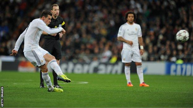 Bales scores a free kick against Galatasaray in the Champions League