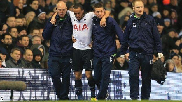 Andros Townsend goes off injured