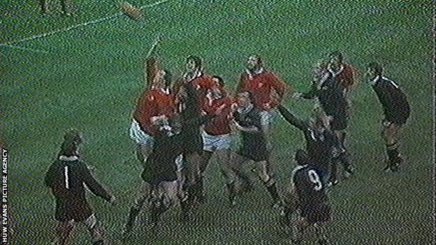 New Zealand's Andy Haden wins a controversial penalty in 1978