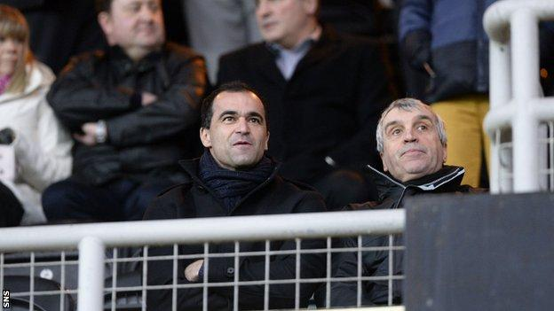 Everton manager Roberto Martinez (left) and chief scout Kevin Reeves at Tannadice on Sunday