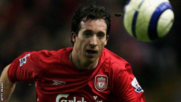 Robbie Fowler apologises for a gesture he made towards Graeme Le Saux in 1999.