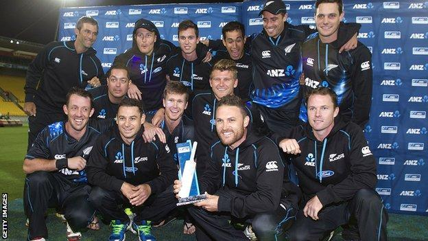 New Zealand with the T20 series trophy