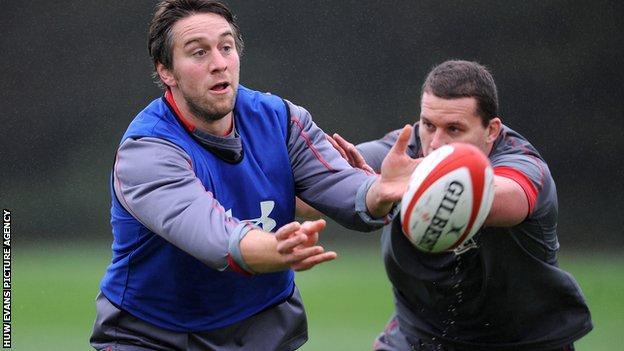 Ryan Jones in training with Wales team-mate Ian Evans