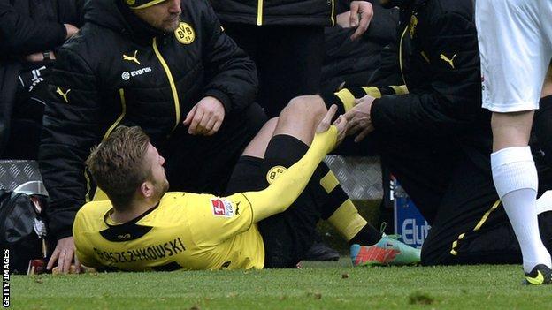 Jakub Blaszczykowski suffers suspected cruciate ligament injury