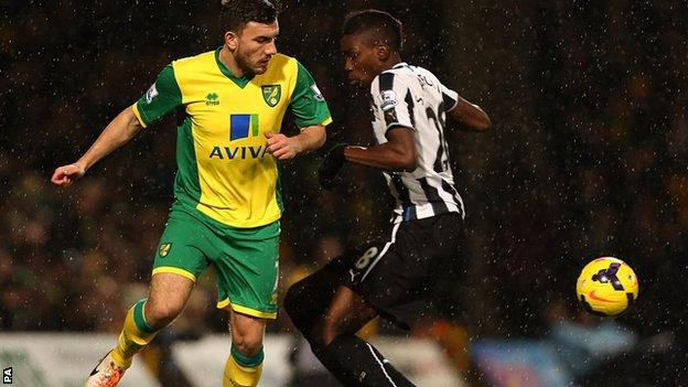 Robert Snodgrass playing against Newcastle