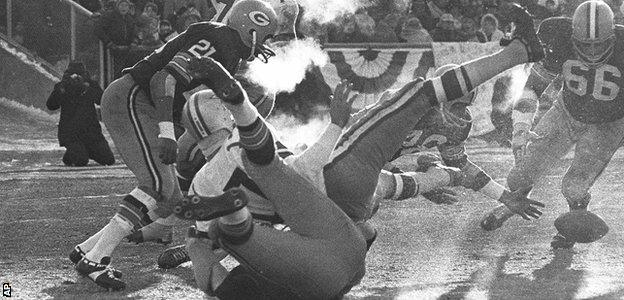 Ice Bowl: Green Bay Packers vs Dallas Cowboys in 1967