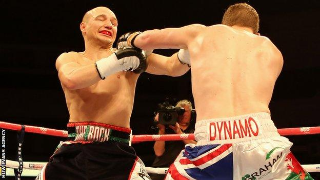 Gavin Rees and Gary Buckland exchange punches