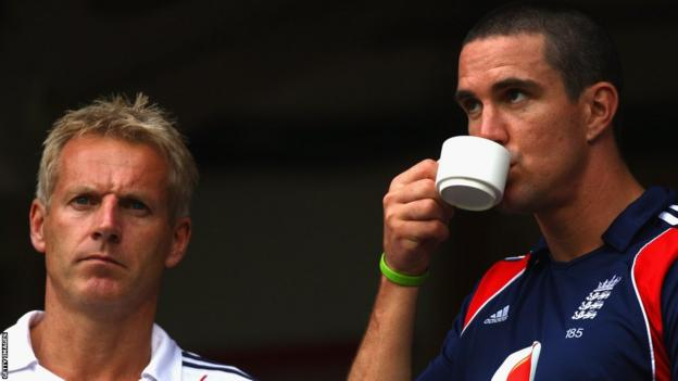 Kevin Pietersen and England coach Peter Moores in 2008