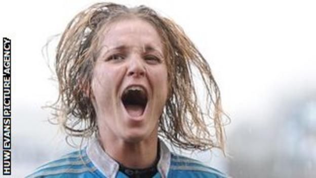 Alice Trevisan of Italy celebrates beating Wales Women