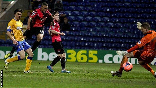 Jonson Clarke-Harris scores for Oldham