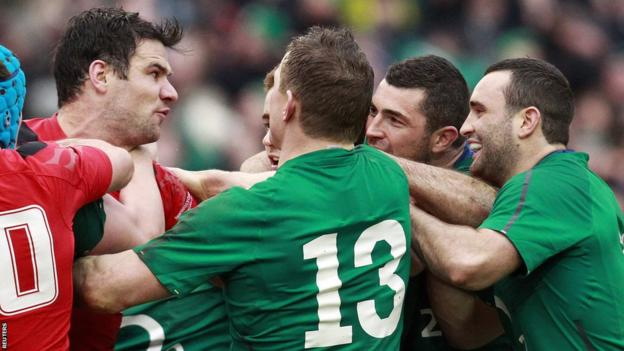 Mike Phillips reacts amid Wales' frustration as they fall to a 26-3 defeat