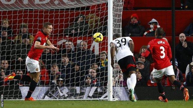 Darren Bent scores Fulham's equaliser
