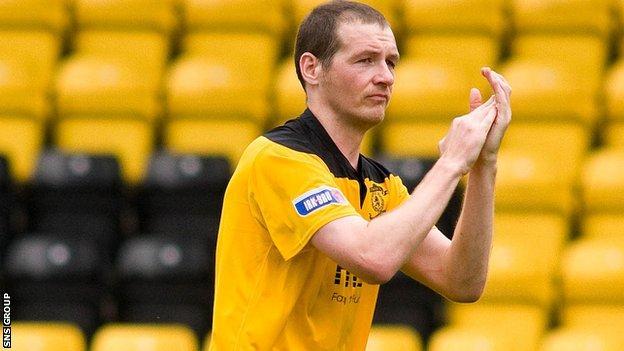 Kenny Deuchar in action for Livingston