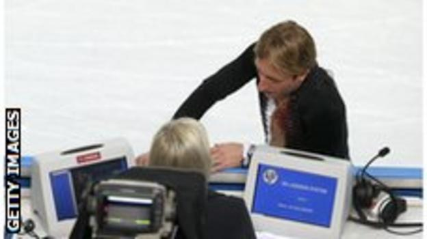 Evgeny Plushenko forced to withdraw at Sochi