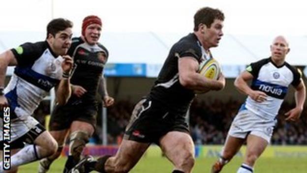 Ian Whitten goes over for Exeter
