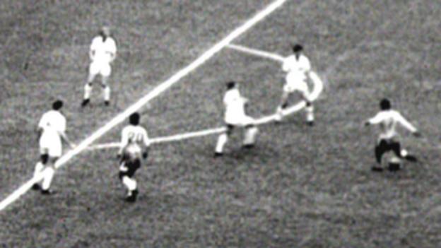 Garrincha scores for Brazil against England